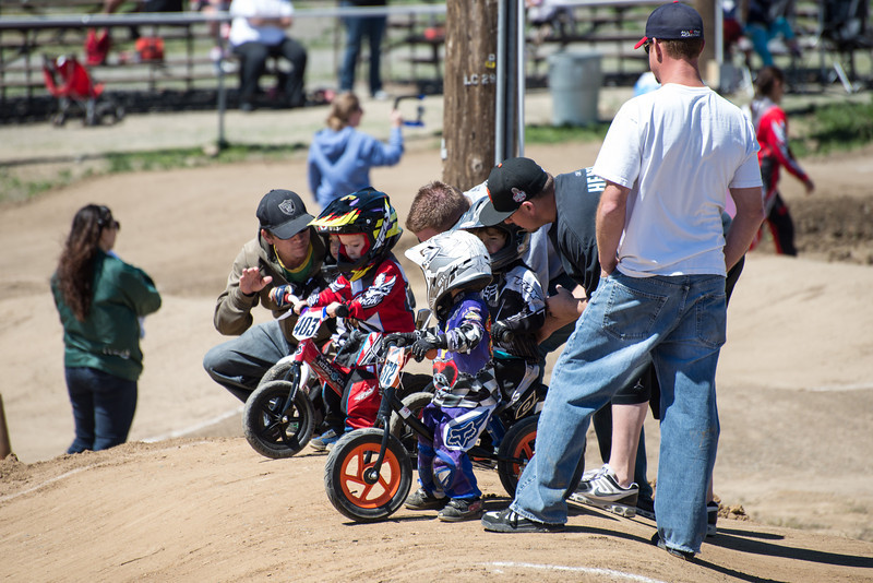 Little ones getting ready for their race.