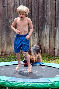 How do you like my boxer pose.
