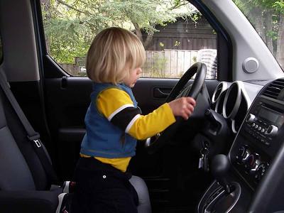 The steering wheel works.