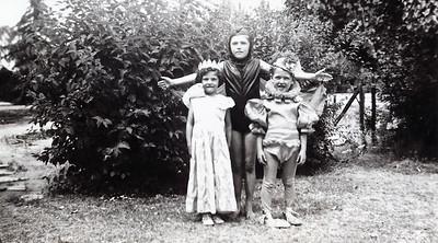 Oesterle, Elizabeth & Jimmy Twins