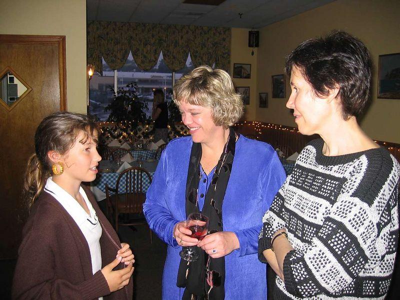 Vendela Haviland, Lynne Salton and Sue Haviland.