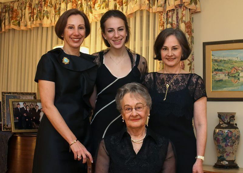 Mom K Karen Grandma 2