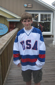 Aaron bought a special hockey shirt in a Pier 39 shop (after his concert there May 27, 2007).