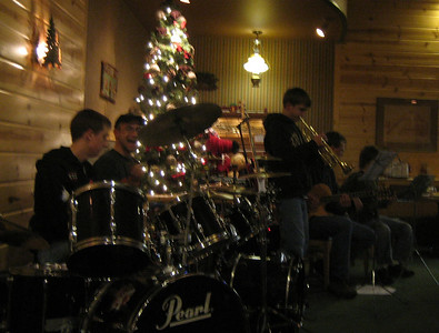 Jam night at a pizza place