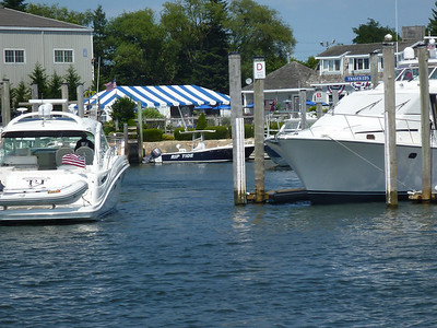 Trader Eds at Hyannis Marina