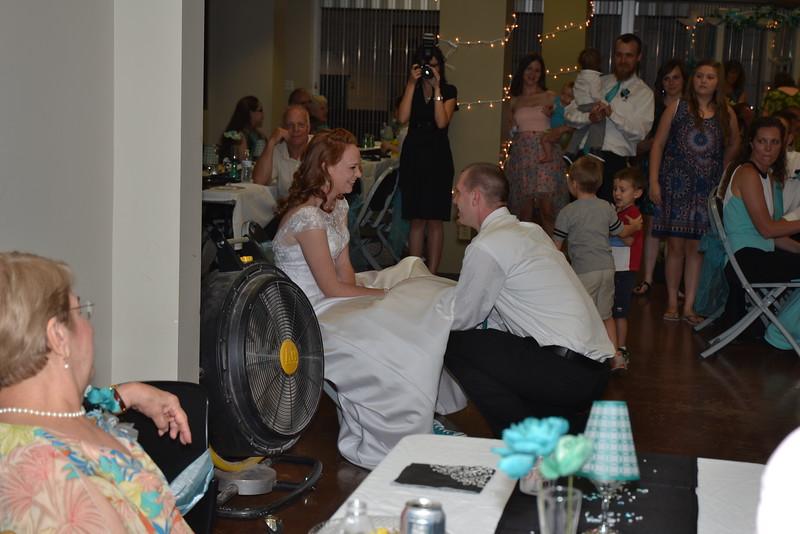 removing the bride's garter