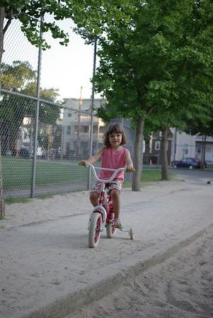 Guen loves bikes.