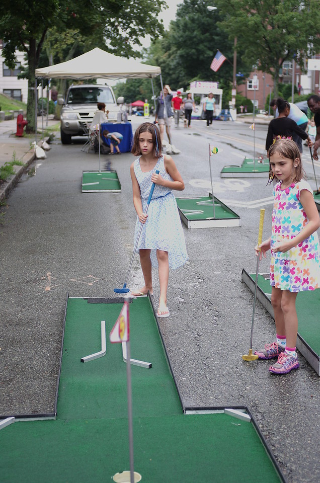 Mini-golf on Somerstreets.