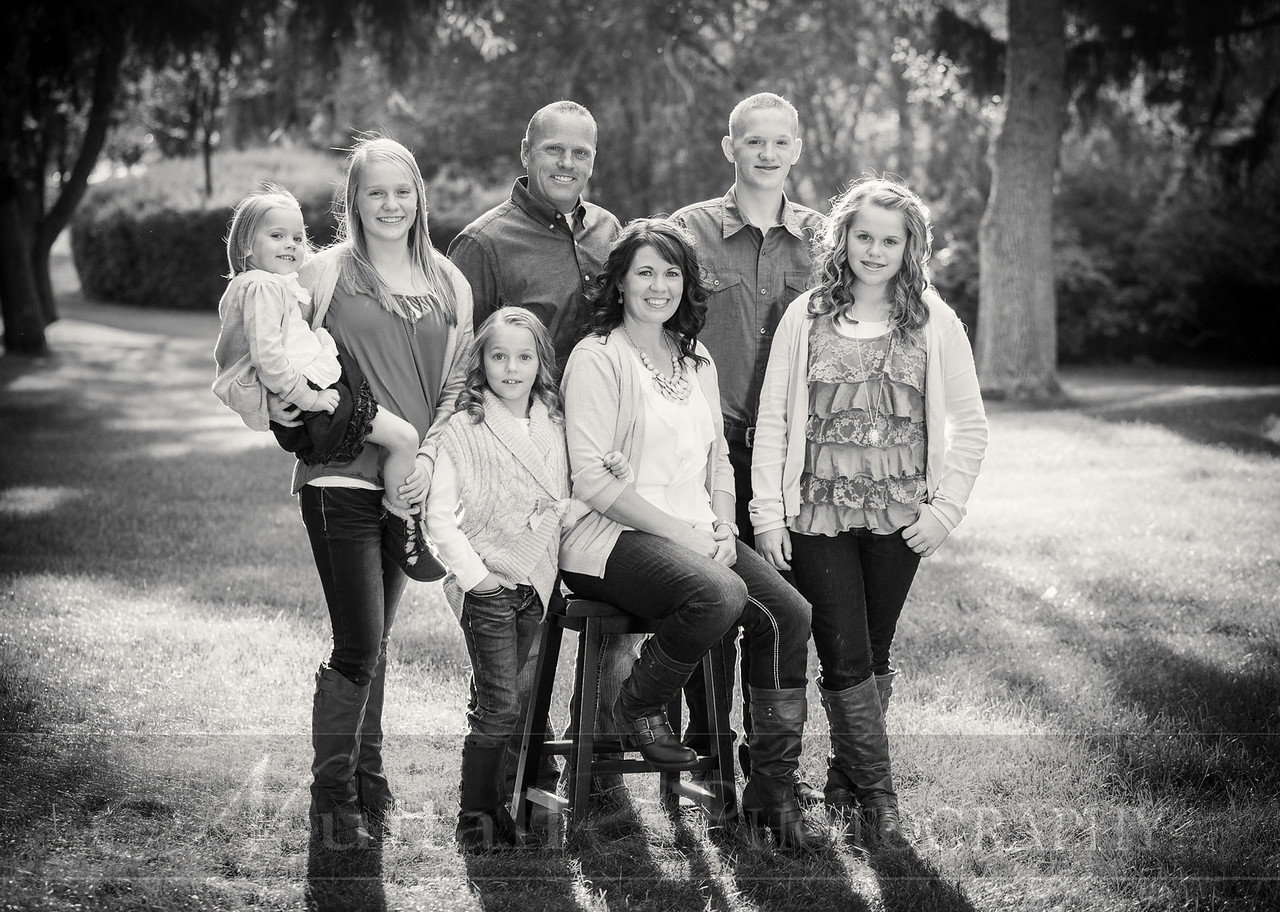 Gustaveson Family 47bw