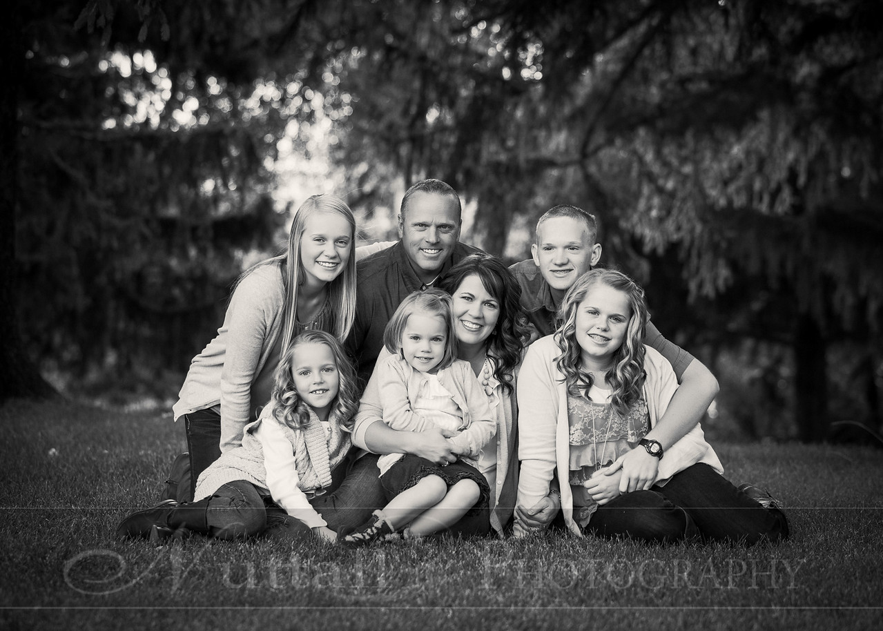 Gustaveson Family 07bw