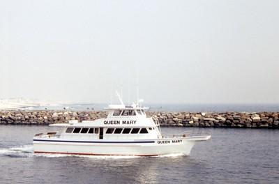 HCA-19920401-Boats at inlet while walking