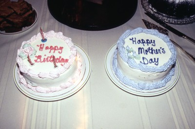HCA-19910526-Mothers Day and Birthday Cakes