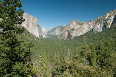 Tunnel view with El Capitan on the left, Half Dome in the distance and Bridal Veil Falls on the right