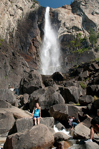 Rock scrambling below Bridal Veil Falls