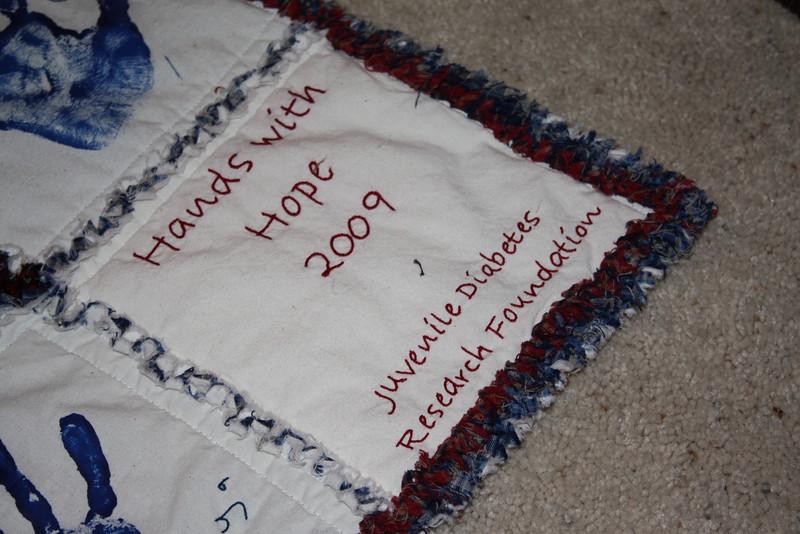 20090111_handswithhopeback_002