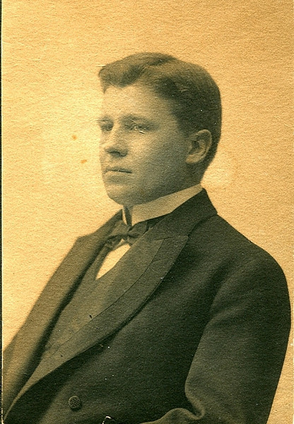 Albert H. Harpending, son of Asbury, Jr. No known descendants