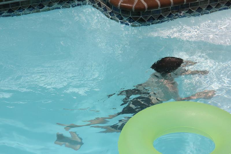 Aaron tries his underwater swimming