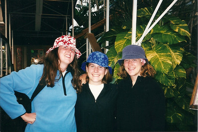 Catherine, Lauren & Anne in their new hats - Hawaii  12/98