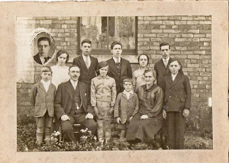 Back Row: (Inset) Charles, Mary Reeves (Polly), Bob, Richard, Sarah Ellen (Nellie), Tom,<br /> Front Row: Norman, Grandad Richard, Jenny, Ronnie, Grandma Isabel (Bella), Edgar William (Bill)