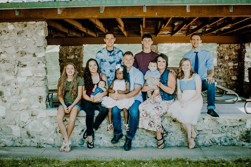 00011--©ADHPhotography2018--JamesAliciaHegwood--Family--July8