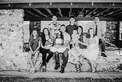 00008--©ADHPhotography2018--JamesAliciaHegwood--Family--July8