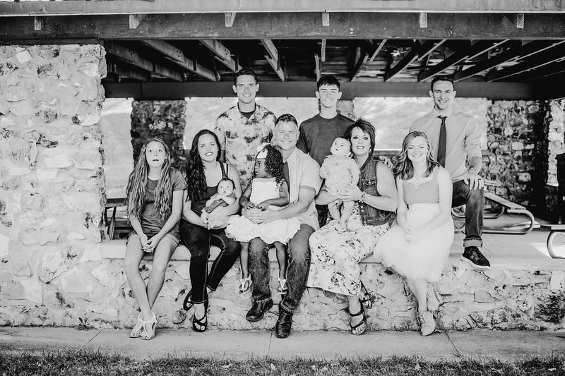 00004--©ADHPhotography2018--JamesAliciaHegwood--Family--July8