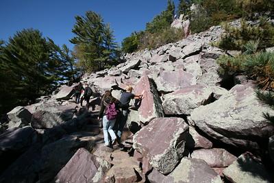 10-09-2016 Hike Devils Lake State Park