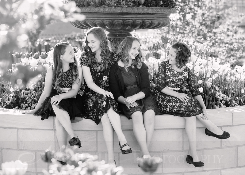 Hirschi Girls 011bw