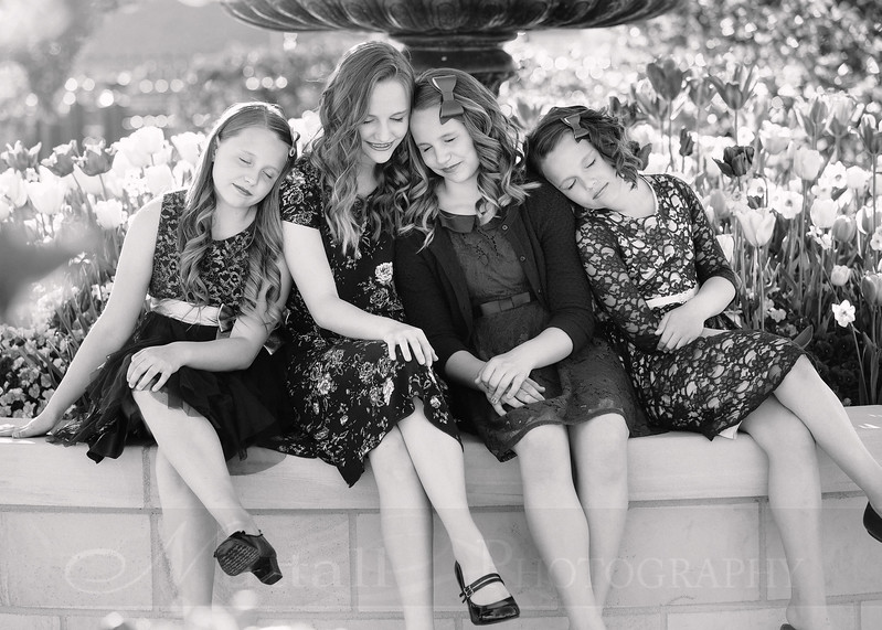 Hirschi Girls 010bw