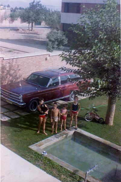 Iran Kids & station wagon-14