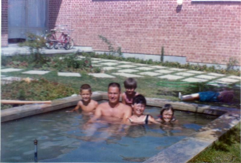 Iran Kids & Dad in pool-11
