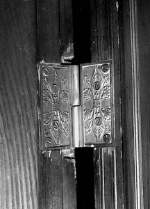 Photo #27 ~ 73 Stockton_Door Hinge Detail