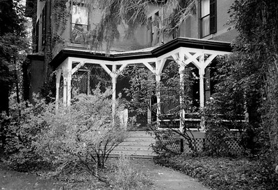 Photo  #9 ~ 73 Stockton_Front B&W w-Jack