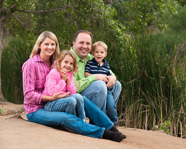 Family Photoshoot at Buena Vista Park in Vista, CA