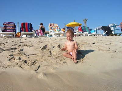Octavia's first contact with the beach of San Vito.