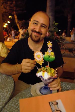 Mjammm. Alberto and his icecream.