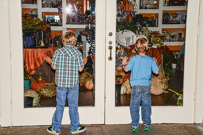 Halloween is just around the corner and Grant and Saxon take a close up look at the decorations.