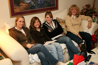Sara, Joey and I spent Christmas Eve at my mom's house.  Here, Sara visits with my cousins Lauren, Kelsey, and Allison.