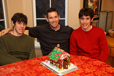 2008_gingerbread_houses-17
