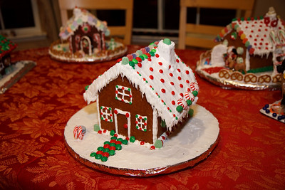 2008_gingerbread_houses-24