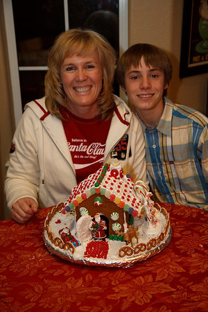 2008_gingerbread_houses-25