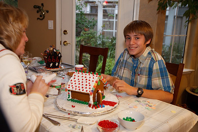 2008_gingerbread_houses-5
