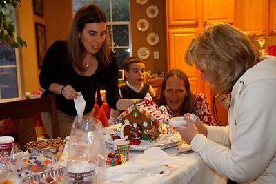 2008_gingerbread_houses-12