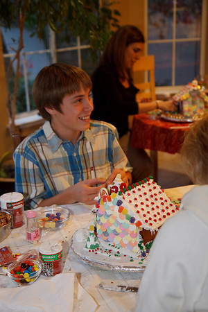 2008_gingerbread_houses-11