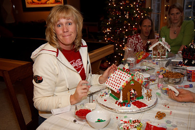 2008_gingerbread_houses-9