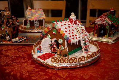 2008_gingerbread_houses-21