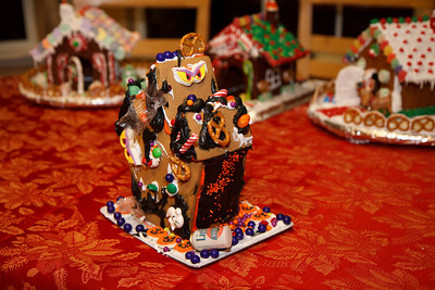 2008_gingerbread_houses-22