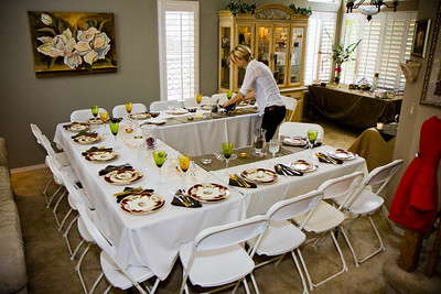My Aunt Lissa and her crew prepared a wonderful table and dinner! .
