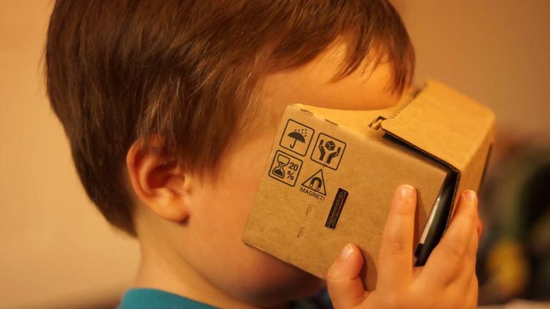 Hal on Google Cardboard