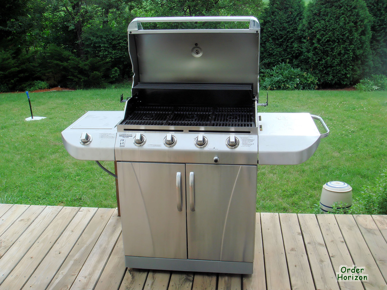 The new grill, operational after much futzing about